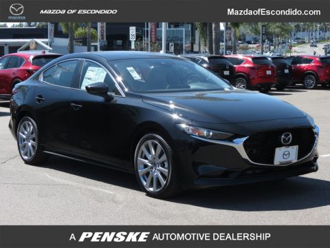 New 2019 Mazda3 4-Door AWD w/Preferred Pkg