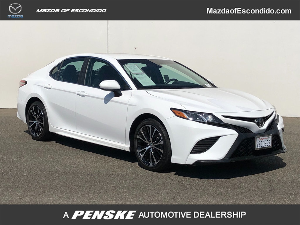 Pre-Owned 2018 Toyota Camry SE Automatic